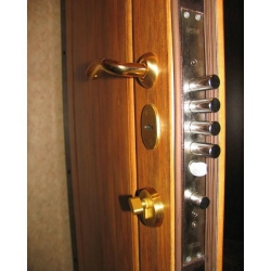 Замки металлических дверей