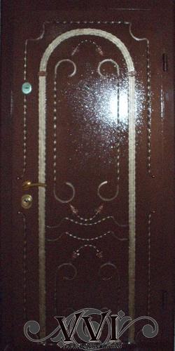 Особенности дверей из металла