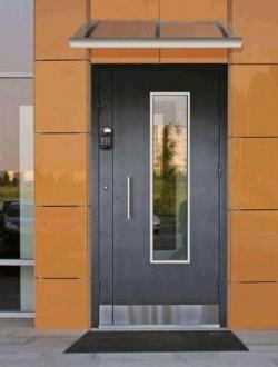 Особенности наружных дверей